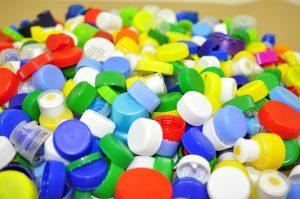 riciclo-plastica-tappi