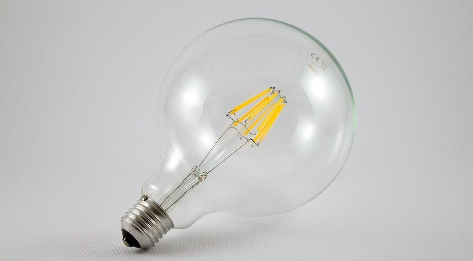Lampade a led i vantaggi di una soluzione sostenibile for Lampade a led lunghe