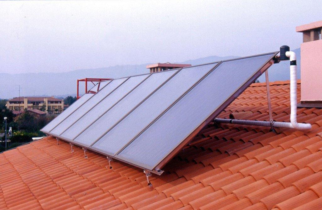 Pannelli solari termici riscaldare casa con il solare for Pannelli solari solar