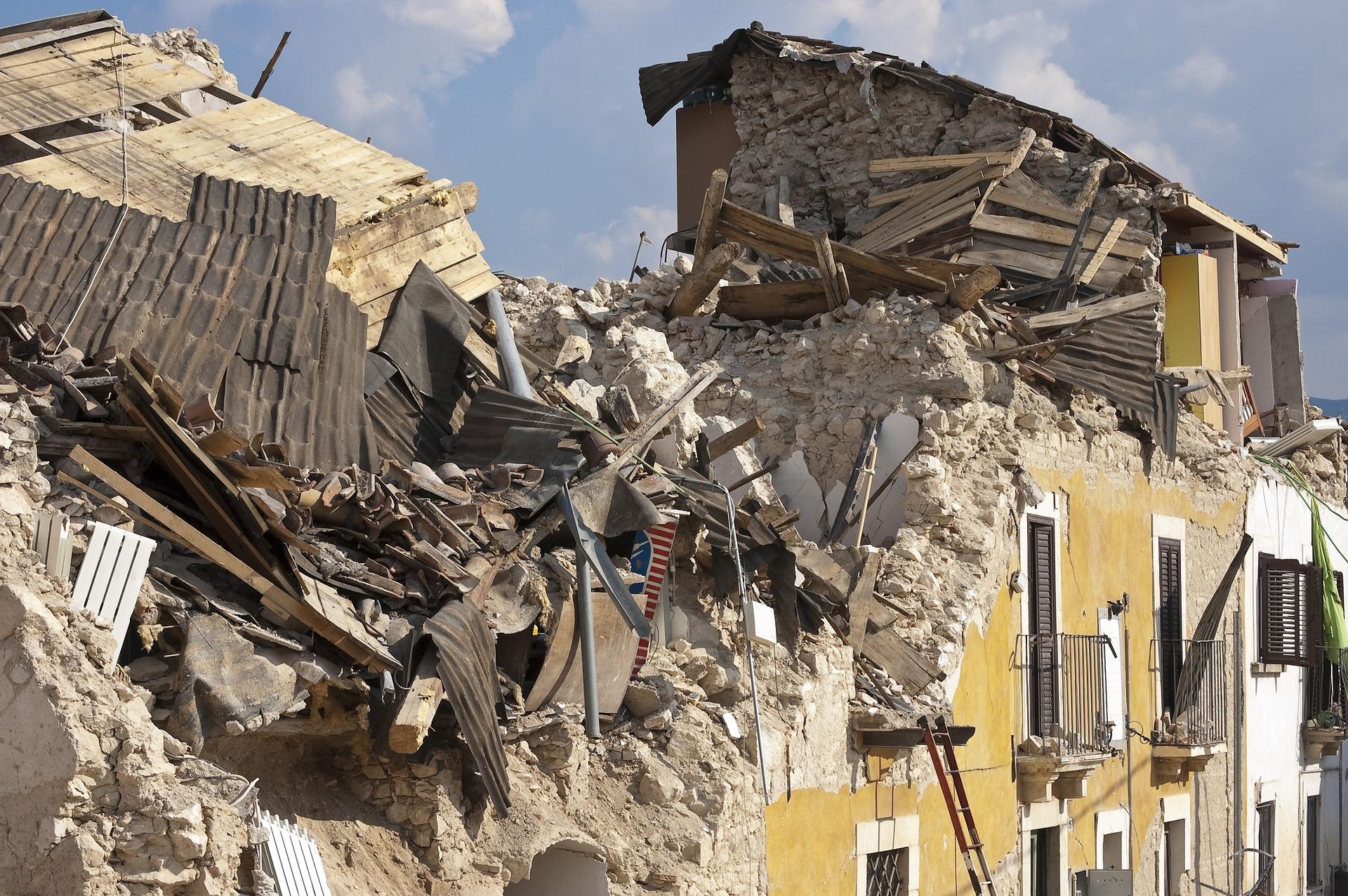 earthquake-1665891_1920