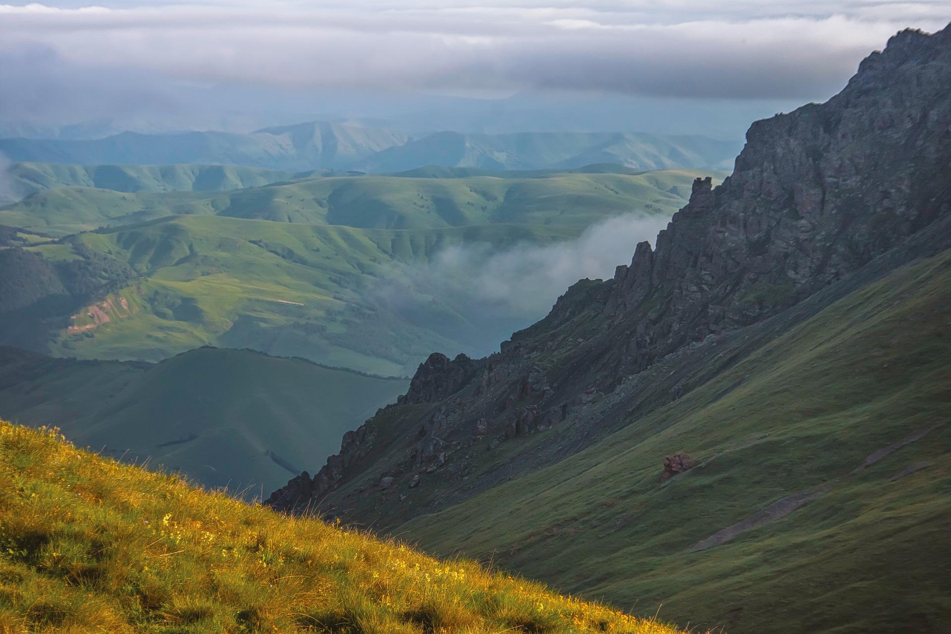 mountains-5299599_1920