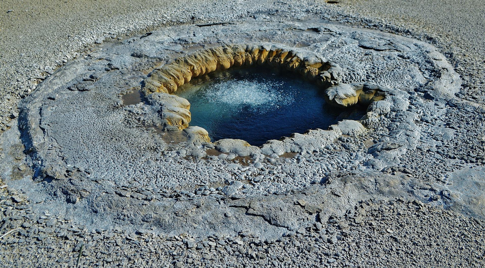 geysers-5441103_1920