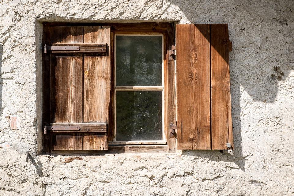 Scuri in legno per finestre consigli e soluzioni innovative - Scuri per finestre ...