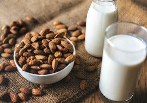 Latte-di-mandorla-calorie